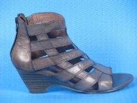 Новая коллекция весна-лето 2011 бренда Caprice